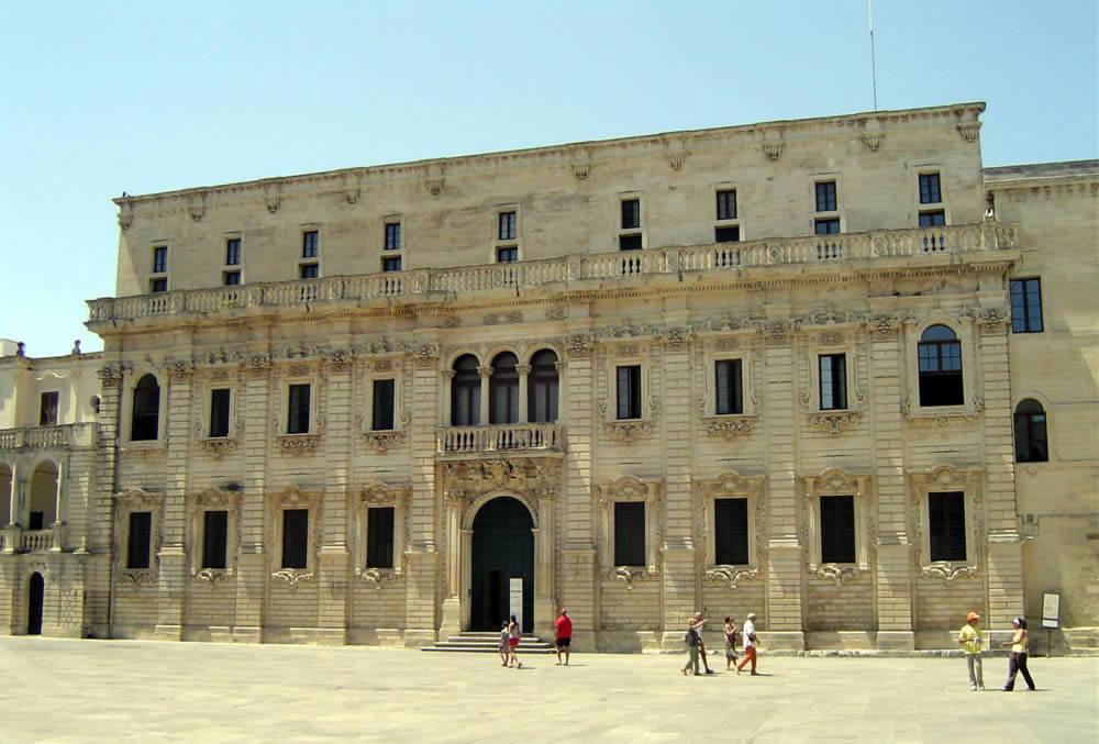 Lecce la citt del barocco ed antica citt romana con anfiteatro ufficio informazioni - Architetto lecce ...
