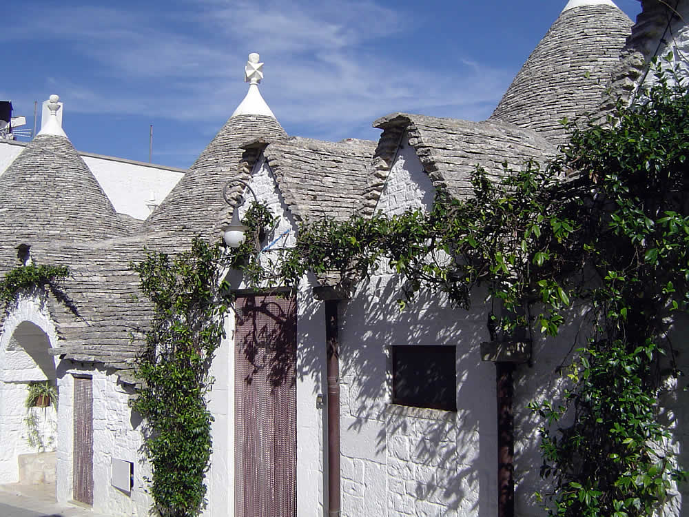 Trulli In Ostuni Puglia How Trulli Are Built The Symbols Of